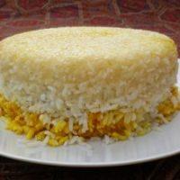 Polo con crosta tah-dig (ricetta base del riso iraniano)