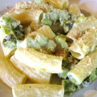 Maccheroni con asparagi e porro