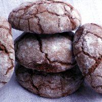 Biscotti screpolati al cioccolato fondente