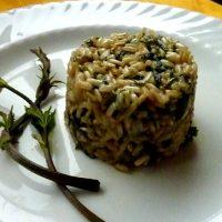 """Sformatino di riso con i """"bruscandoli"""" (germogli del luppolo)"""