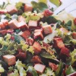 Insalata multicolore con tofu affumicato - Biolcalenda febbraio 2018
