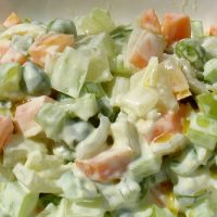 Piselli alle verdure in salsa bianca