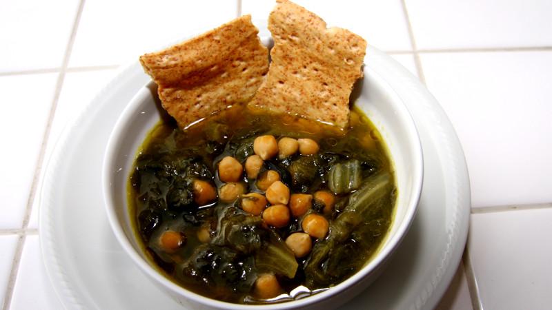 Zuppa di ceci e lattuga