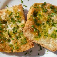 Bolo do caco (pane all'aglio) - cucina regionale dell'Portogallo primi piatti e ricette Biolcalenda aprile 2017