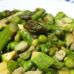 Insalata di verdure verdi tiepide - Biolcalenda Giugno2019