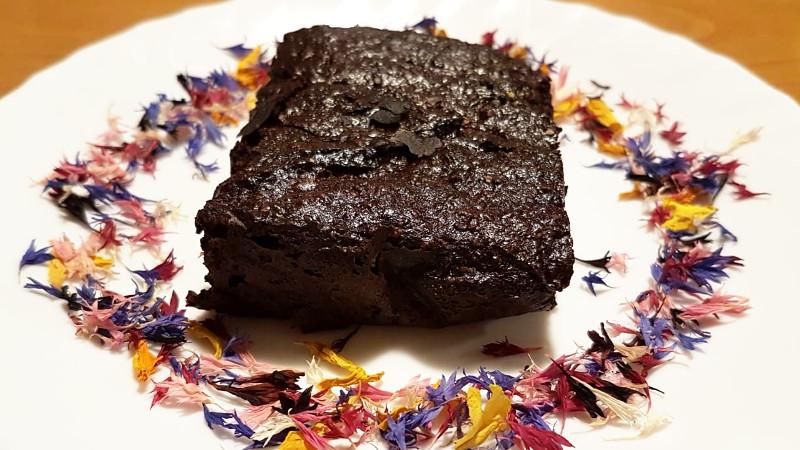 Torta di cioccolato e melanzane (senza farina) - Biolcalenda di Luglio-agosto2020