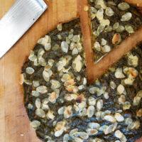 """Torta salata """"NoWaste"""" con esubero di lievito madre, salvia selvatica, pane e carote - Biolcalenda di ottobre2020"""