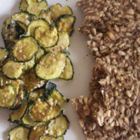 Chips di zucchine terza versione crackers - Biolcalenda di giugno 2021
